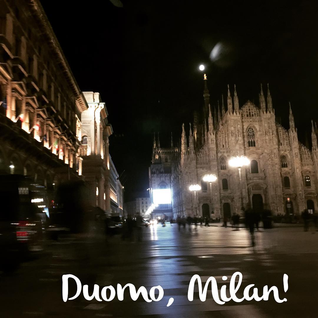 Beautiful night in Milan! Travel Italy Milan fun