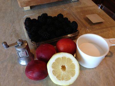 Blackberry & Nectarine Crumb Pie 001-thumbnail 300