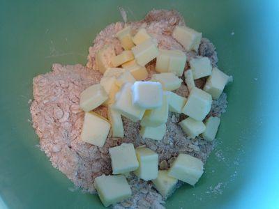 Blackberry & Nectarine Crumb Pie 008-thumbnail 300