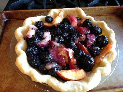 Blackberry & Nectarine Crumb Pie 009-thumbnail 300