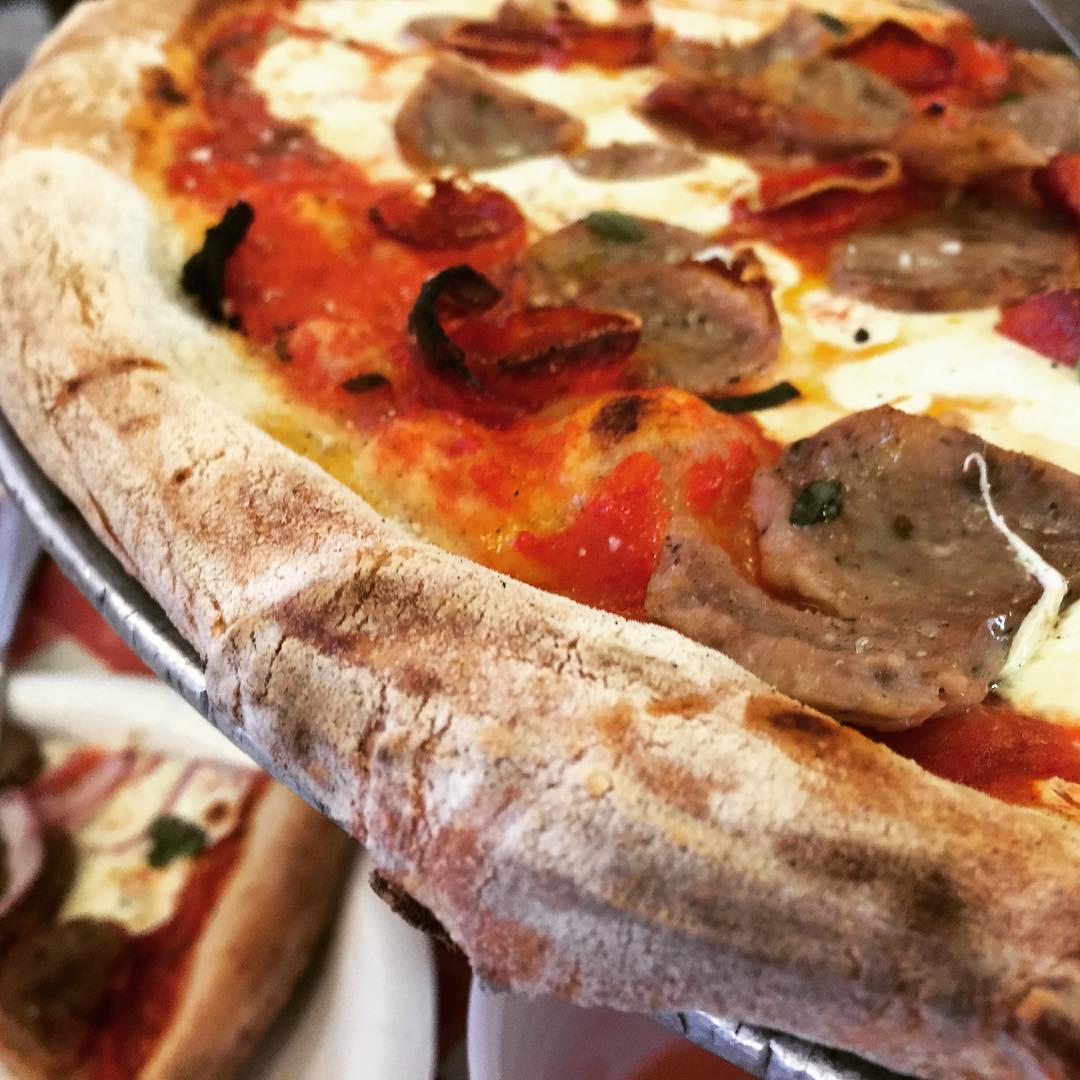 Lombardis  Nolita NYC! 4thofjuly nyceats pizza livelovelaughfood