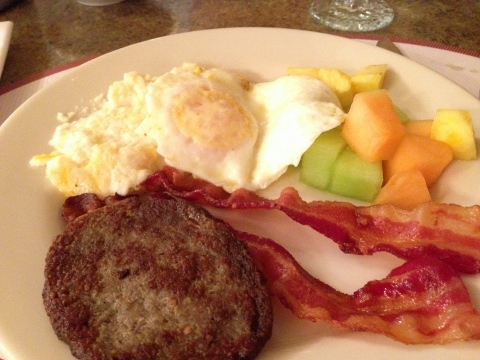 Beaumont Inn - Breakfast 2014-05-11 004 (480x360)