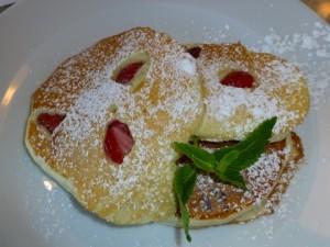 strawberry ricotta pancakes 2014-05-03 037 (480x360)