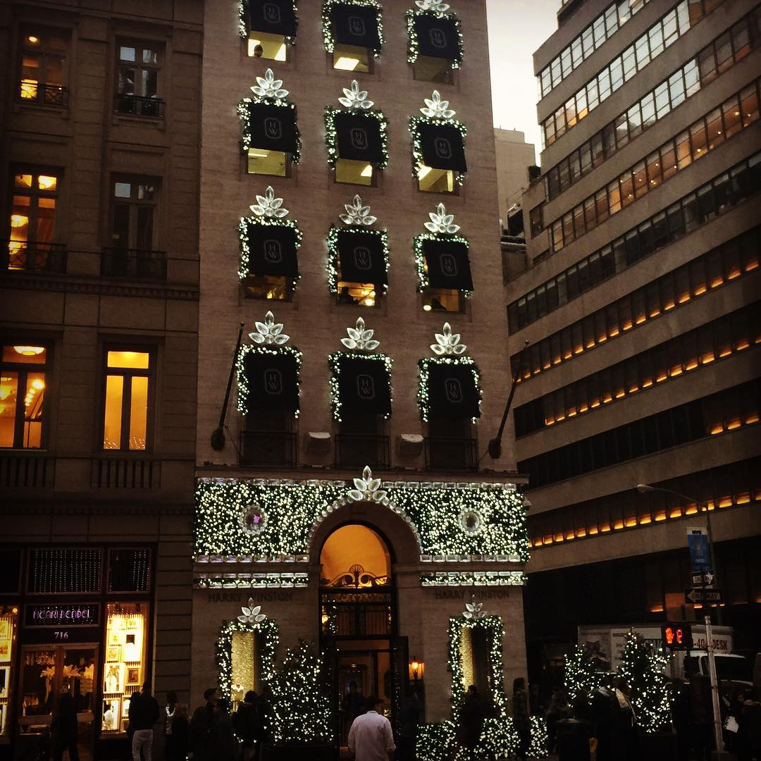 Christmas Lights at Harry Winston on 5th Avenue! NYC Lightshellip