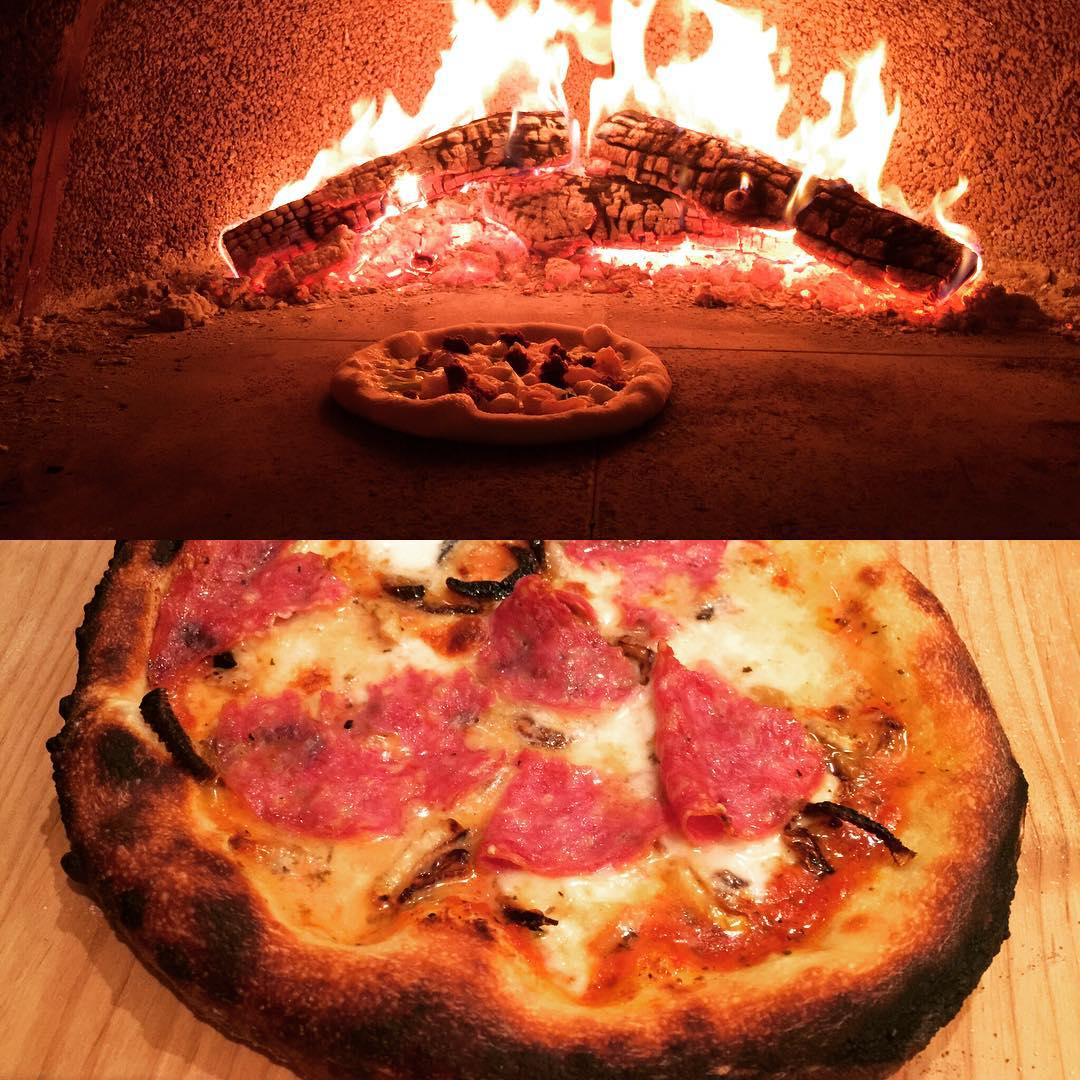 Pizza Night at Grandma House!! Yummy! Pizza woodfire Cooking Family