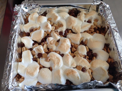 Peanut Butter Smore Bars 2014-08-20 059 (480x360)