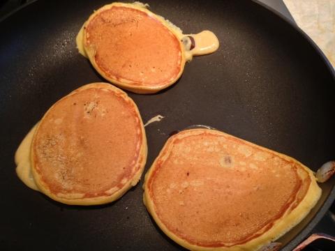 Pumpkin Chocolate Chip Pancakes 065 (480x360)