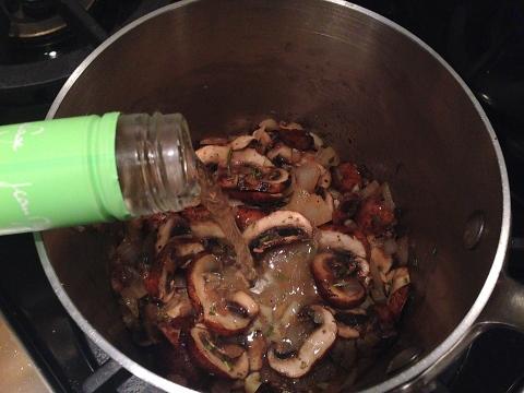 Creamy Cauliflower Soup with Mushroom Ragout 044 (480x360)