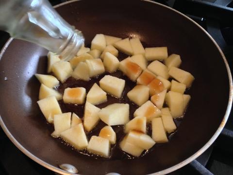Quinoa Porridge with Saute Cinnamon Apples 035 (480x360)