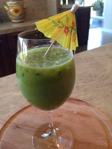 My Little Green Smoothie Recipe – Happy New Year!