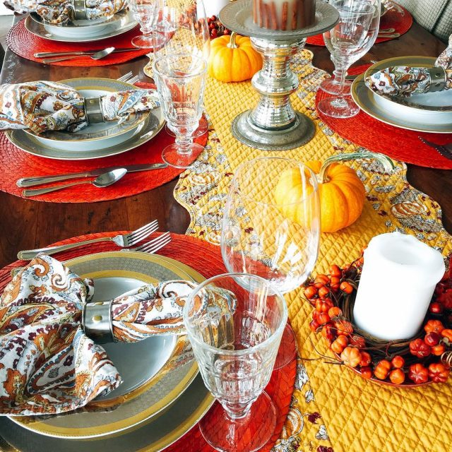 Thanksgiving Tablescape  Simply Festive! livelovelaughfood tablescapes thanksgiving dinnerware decoratinghellip
