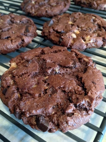 Flourless Chocolate Peanut Butter Toffee Cookies 116 (360x480)