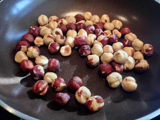 Golden Beet Salad with Hazelnuts & Ricotta Salada 068 (640x480)