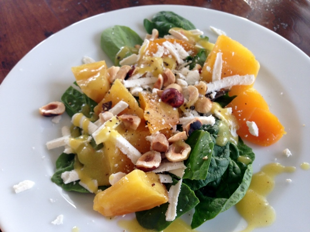Golden Beet Salad with Hazelnuts & Ricotta Salada 121 (640x480)