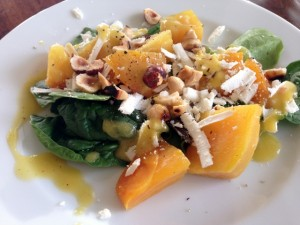 Golden Beet Salad with Hazelnuts & Ricotta Salada 123 (640x480)