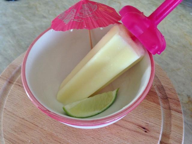 Coconut Pineapple Margarita Pops 067 (640x480)