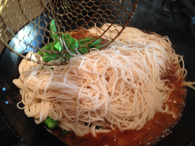 Easy Thai Peanut Salmon & Noodles 103 (640x480)
