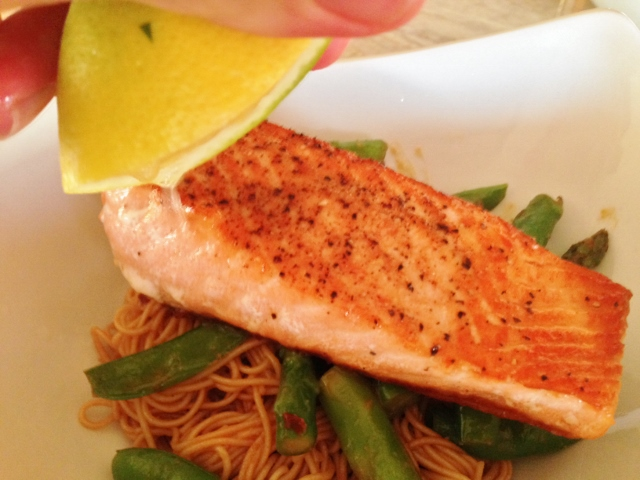 Easy Thai Peanut Salmon & Noodles 129 (640x480)