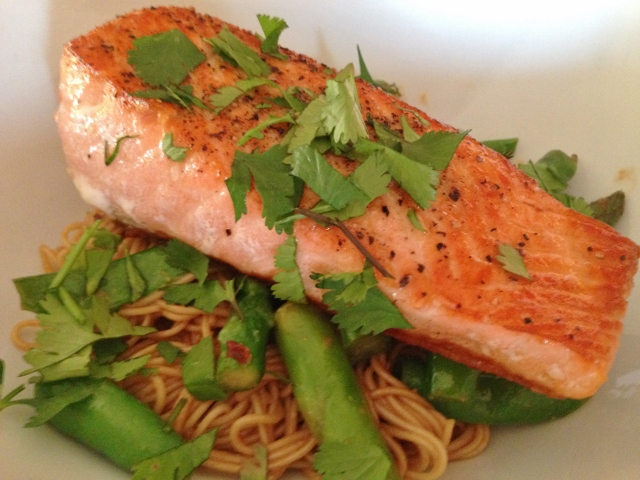 Easy Thai Peanut Salmon & Noodles 134 (640x480)