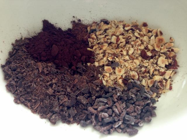 Chocolate, Cocoa Nib & Hazelnut Meringues 051 (640x480)