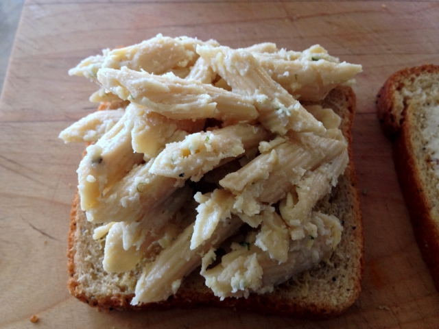 Mac & Cheese Grilled Cheese Sandwich 012 (640x480)