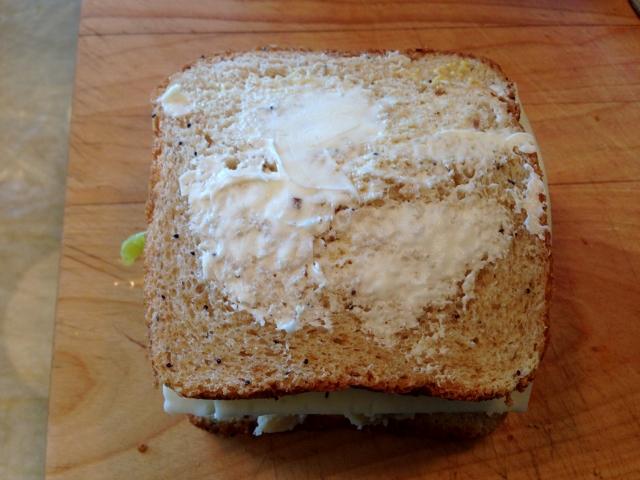 Mac & Cheese Grilled Cheese Sandwich 017 (640x480)