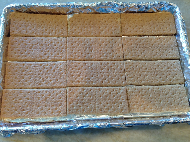 Oatmeal Toffee Graham Bars 009 (640x480)