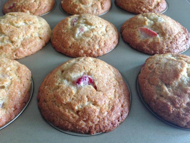 Strawberry Lemon Muffins 047 (640x480)