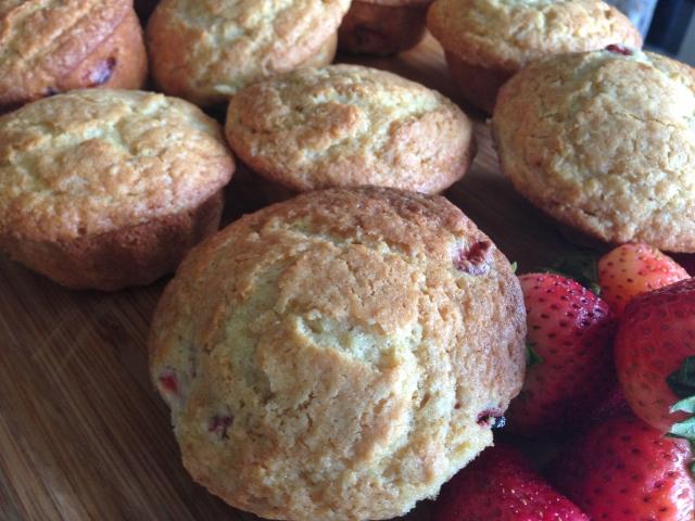 Strawberry Lemon Muffins 055 (640x480)