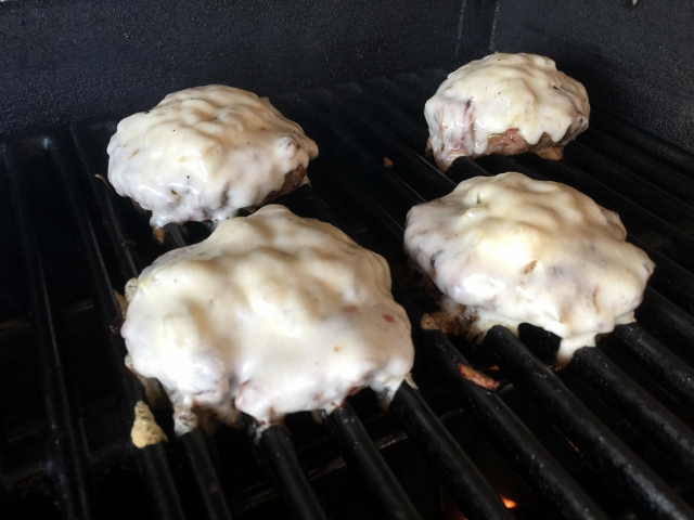 Green Chili Cheeseburgers 030 (640x480)
