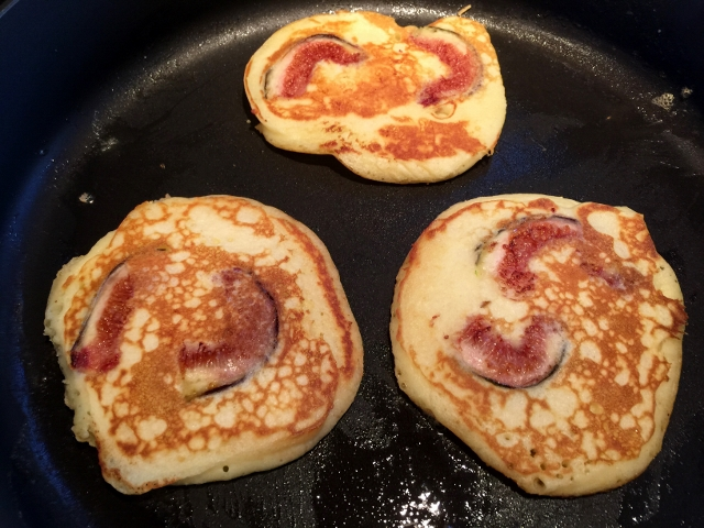 Buttermilk Fig Pancakes 050 (640x480)