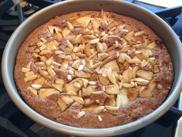 Apple Almond Coffeecake 077 (640x480)