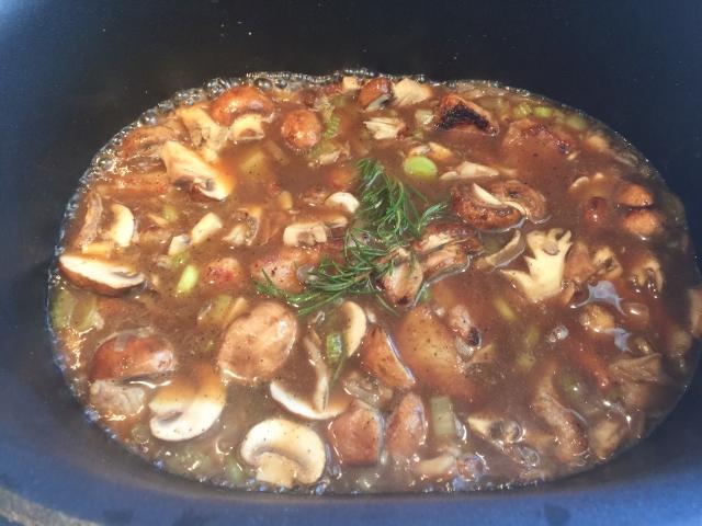 Slow Cooker Veal & Mushroom Stew 045 (640x480)
