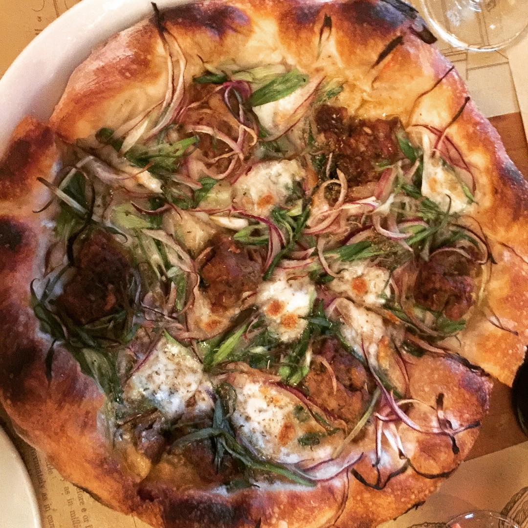 Love love love this pizza from Mozza!! losangelesdining mozzapizzeria losangelespizzahellip