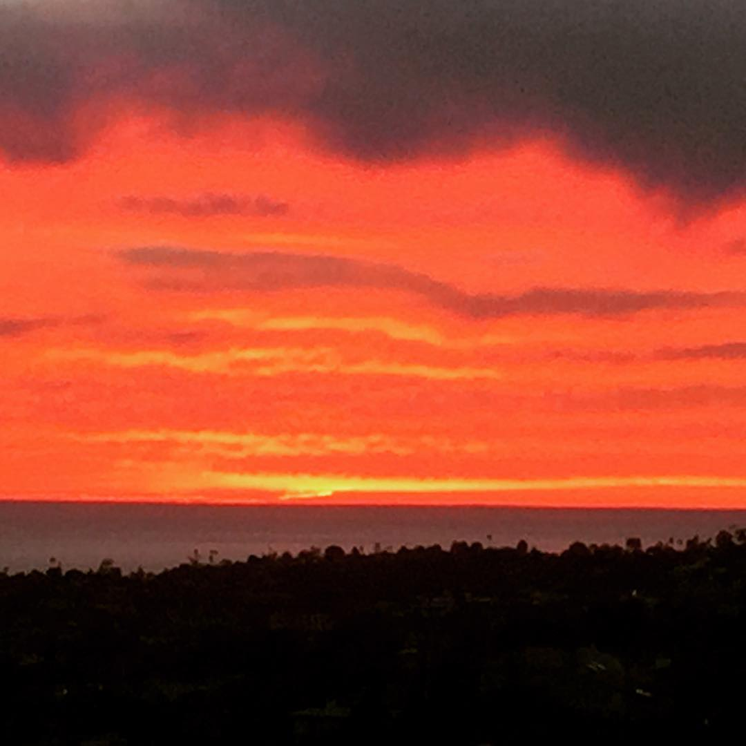 Have you looked outside tonight Los Angeles? Awesome Sunset!! Losangeleshellip