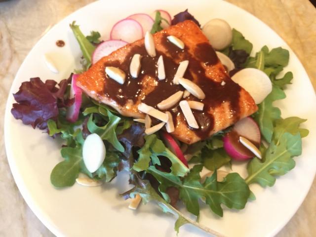 Easy Seared Salmon Salad with Balsamic Vinaigrette – Recipe! Image 1
