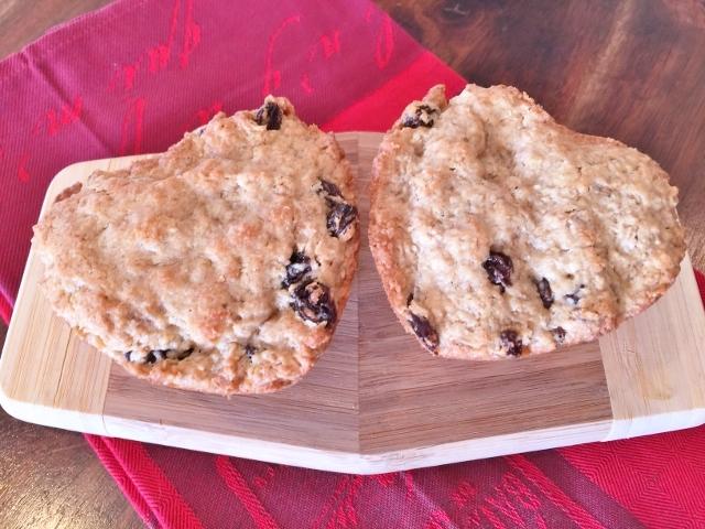 Gluten-Free Sweetheart Oatmeal Rum Raisin Cookies – Recipe! Image 1