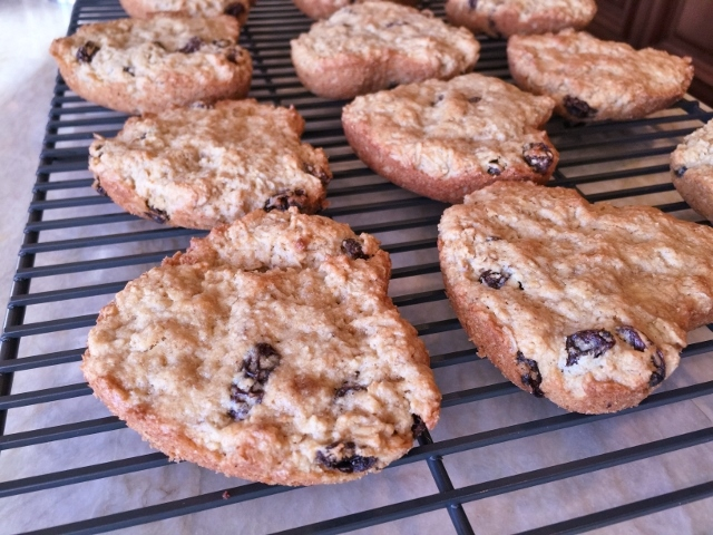 Gluten-Free Sweetheart Oatmeal Rum Raisin Cookies – Recipe! Image 2