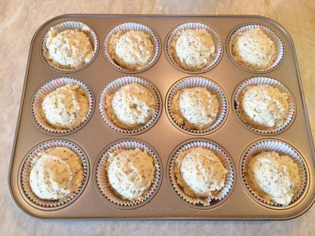 Lemon Poppyseed Muffins 040 (640x480)