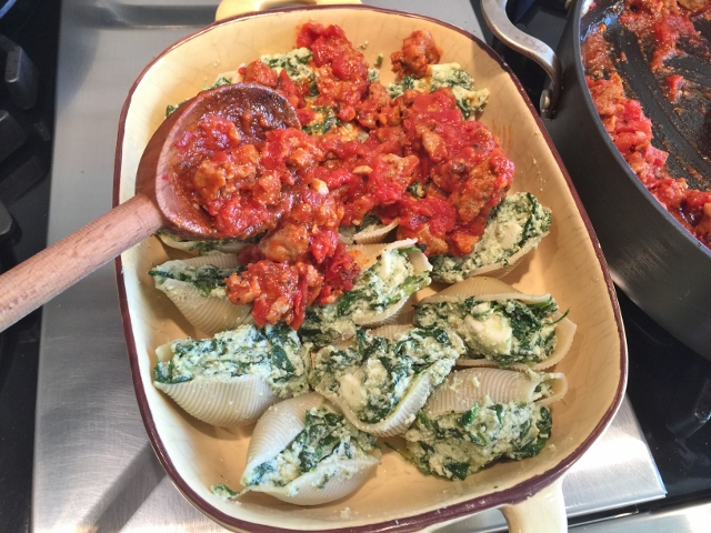 Spinach Ricotta Stuffed Shells with Spicy Sausage Marinara 050 (640x480)