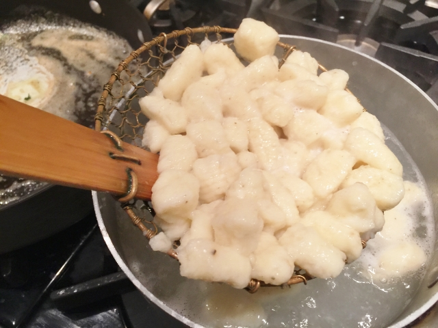 Gnocchi in Brown Butter Basil Sauce 055 (640x480)