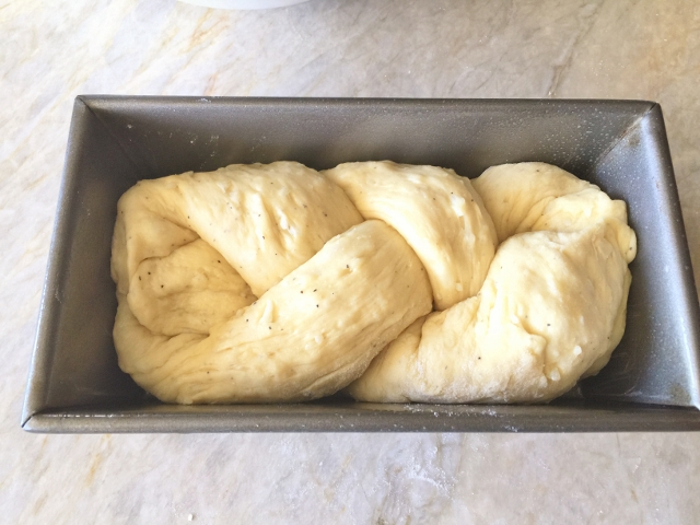 Italian Easter Cheese Bread 046 (640x480)