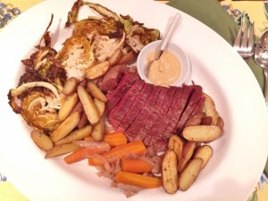 Slow Cooker Corned Beef with Roasted Cabbage & Potatoes 094 (640x480)