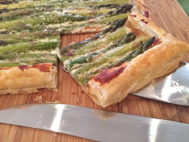 Asparagus & Gorgonzola Cream Tart 130 (640x480)