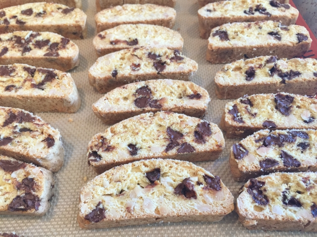 Chocolate Chip Orange Almond Biscotti 080 (640x480)