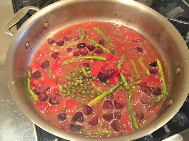 Roasted Chicken with Roasted Red Peppers, Olives & Asparagus 075 (640x480)