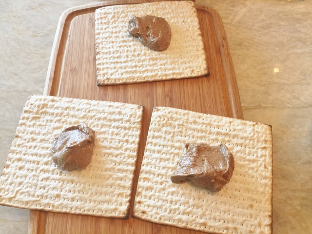 Smoky Chocolate Almond Butter Matzoh 009 (640x480)