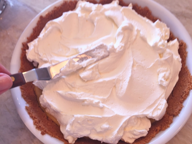Key Lime Pie with Mascarpone Whipped Cream 062 (640x480)