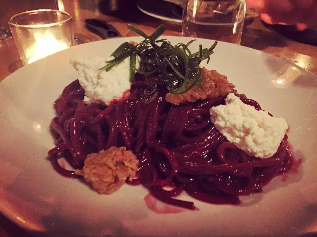 Beet Pasta at Rose Cafe Venice! livelovelaughfood rosecafevenice beets pasta