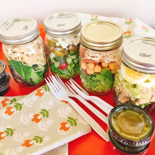 Mason Jar Lunch Salads – Recipe! Image 1